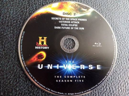 CD BLURAY - THE UNIVERSE