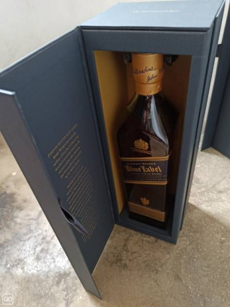 BOUTEILLE DE WHISKY - BLUE LABEL - 750 ML