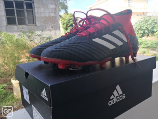 CHAUSSURES DE FOOT - TAILLE 44 2/3 - ADIDAS