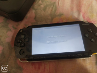 PLAYSTATION PORTABLE & T5 HAUT-PARLEUR