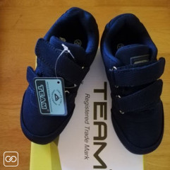 PAIRE DE CHAUSSURES - TEAM - TAILLE 28