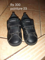 CHAUSSURES - ADIDAS - TAILLE 23