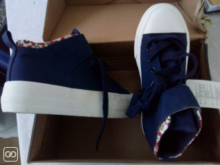 CHAUSSURES POUR FILLE - TAILLE 36