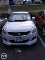 SUZUKI - SWIFT - 2012